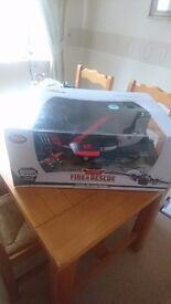 Large Disney Store Planes Fire & Rescue Cabbie Die Cast Carrier BNIB VERY RARE!!