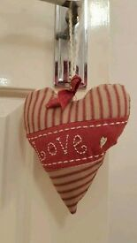 Set of 3 padded hanging hearts
