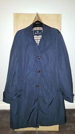 Aquascutum trench coat (claye) navy