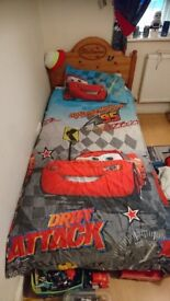 DISNEY'S CAR'S 2 x SINGLE DUVET SETS & POP-UP PLAY TENT