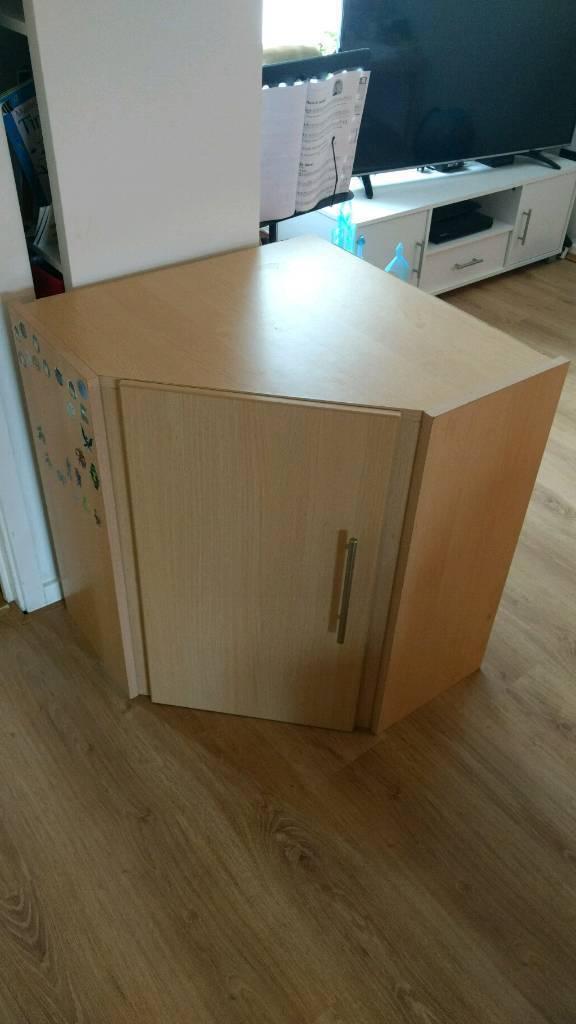 Corner unit (storage)