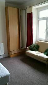 1 bed flat, 750p.c.m. ALL BILLS PAID,near city centre,long, short let,CCTV,free WIFI,Secure car park