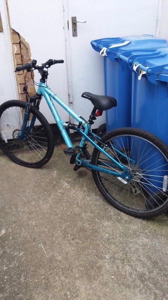 Apollo lady's bicycle