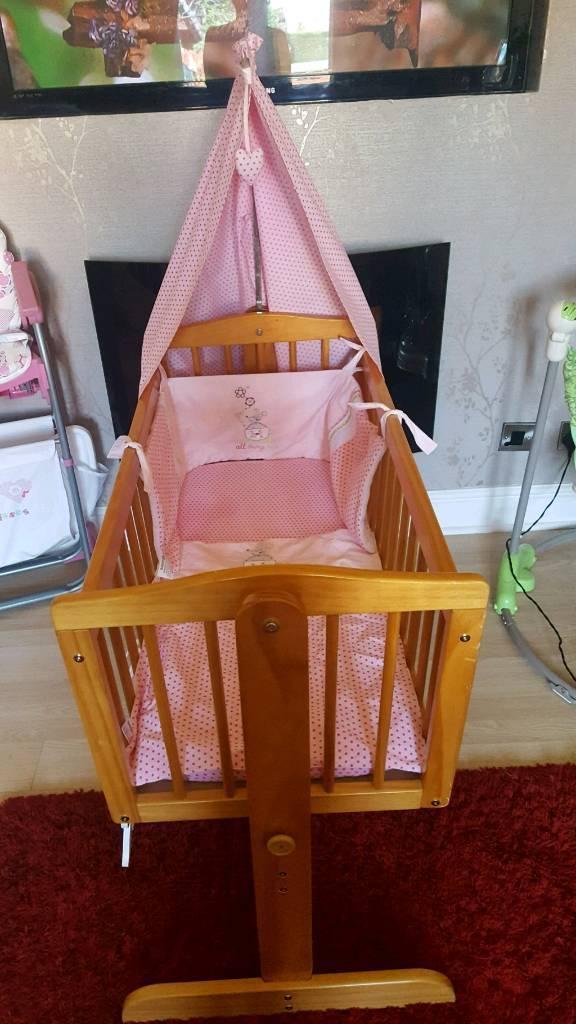 Crib and crib set