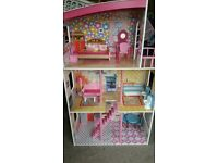Girls doll house its nearly new with all accessories