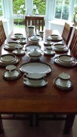 ROYAL DOULTON 49 Pce.DINNER SERVICE CADENZA Pat. H 5046 FINE BONE CHINA