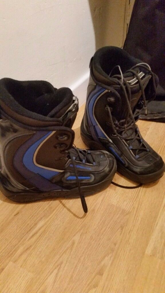 k2 snowboard (160cm), flow bindings, northwave boots (size 9), bolle ski goggles and bag