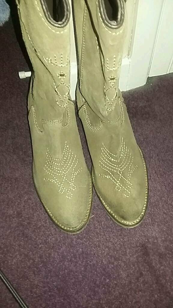Wrangle cowgirl boots uk size 6 Harldy worn.