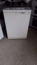 **ANOTHER BOSCH**UNDERCOUNTER FREEZER**FREEZER**FULLY WORKING**BOSCH**COLLECTION\DELIVERY**BARGAIN**