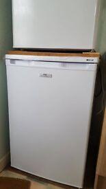 New World White Under Counter Freezer