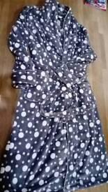 Medium size 10/12 womens/teenage girls dressing gown, spotty grey, white, pink