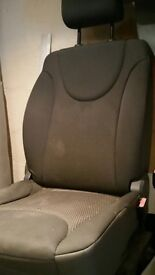 Front seats for Peugeot E7