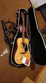 Folk guitar + travel case + microphone + chromatic tuner + cabke conection ps3 with rocksmith 2014