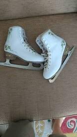 Ice skates SFR size 4 vgc