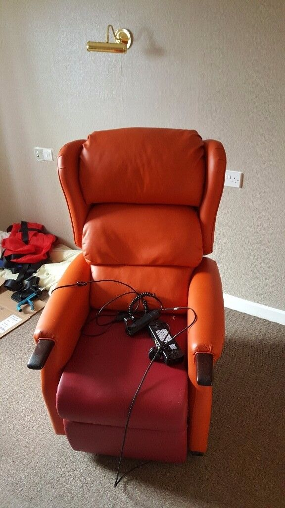 Mechanical recliner chair with easy stand option