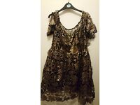 Gold and bkack dress size 20 from boohoo