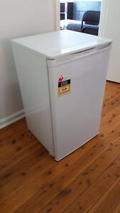 Westinghouse 100L bar fridge Warwick Farm Liverpool Area Preview