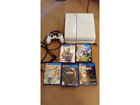 PS4 console + 5 games