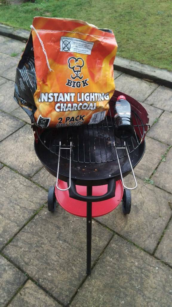 free charcoal barbeque with two charcoal bags and lighting gel in