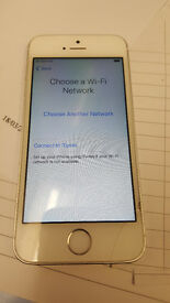 i Phone 5 S unlocked slight crack on bottom right works perfectly