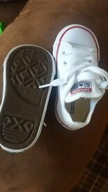 Toddler size 5 converse