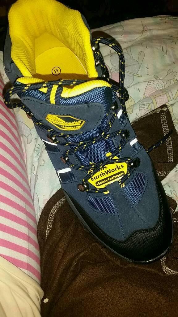 Mens earthworks boots