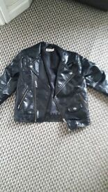 Kids leathet look biker style jacket .aged6-7 yrs frim h&m.immaculatw condition.bargain at £5.