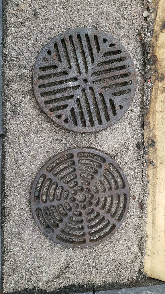 Reclaimed large quot round cast iron gully grid grate