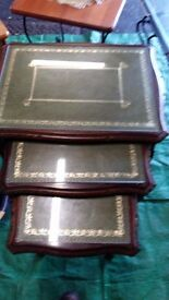 Set of 3 nesting table