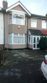 3 bedroom house to rent in Chadwell heath part dss accepted