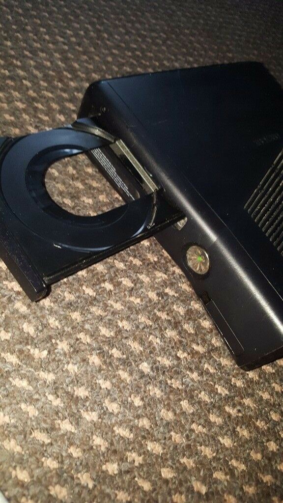 Xbox 360 Slim 4gig