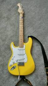 Fender stratocaster yellow left hand yngwie malmsteen