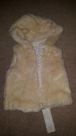 Brand New Girls Soft Faux Fur Gilet Jacket - 12/18 months. RRP £12