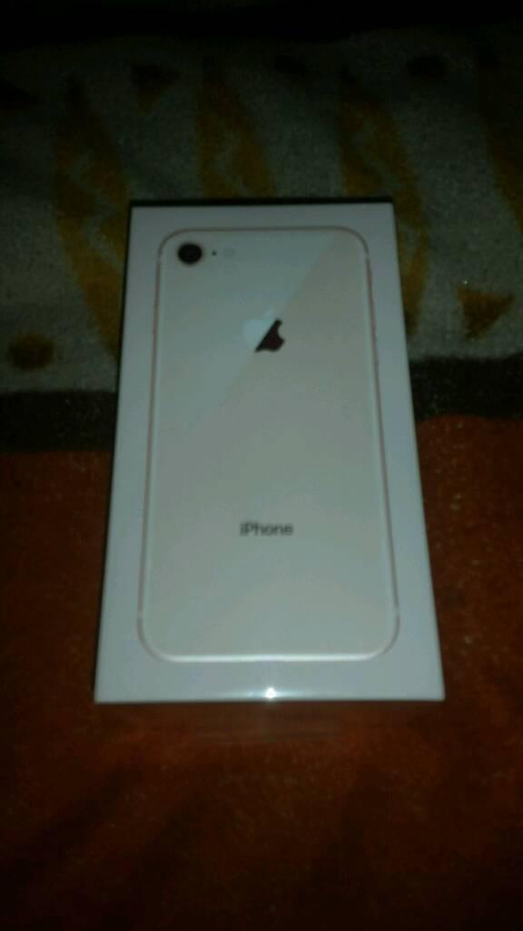 I phone 8 64gb gold o2