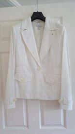 Ladies white jacket / blazer from Mango