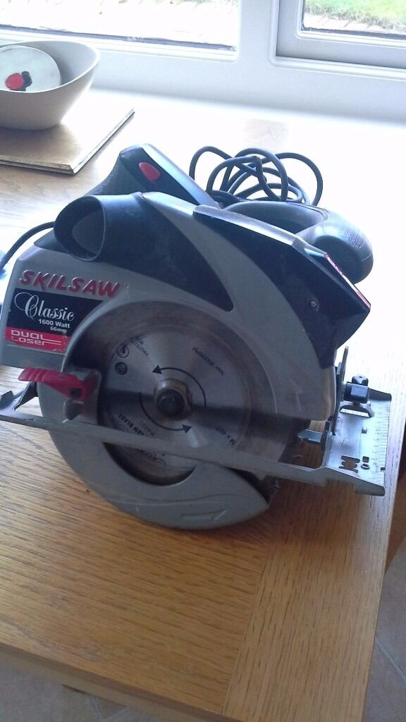 1600w Skil Saw Dual Laser With Case and extra cutting bladesin Burgess Hill, West SussexGumtree - Model 5866 (FO125866). 1600w. Fully working. Adjustable cutting angle and depth. Comes with 4 blades (2 new & unused). Dual laser for precision cutting. Parallel guide. Case (case is battered but still serviceable)