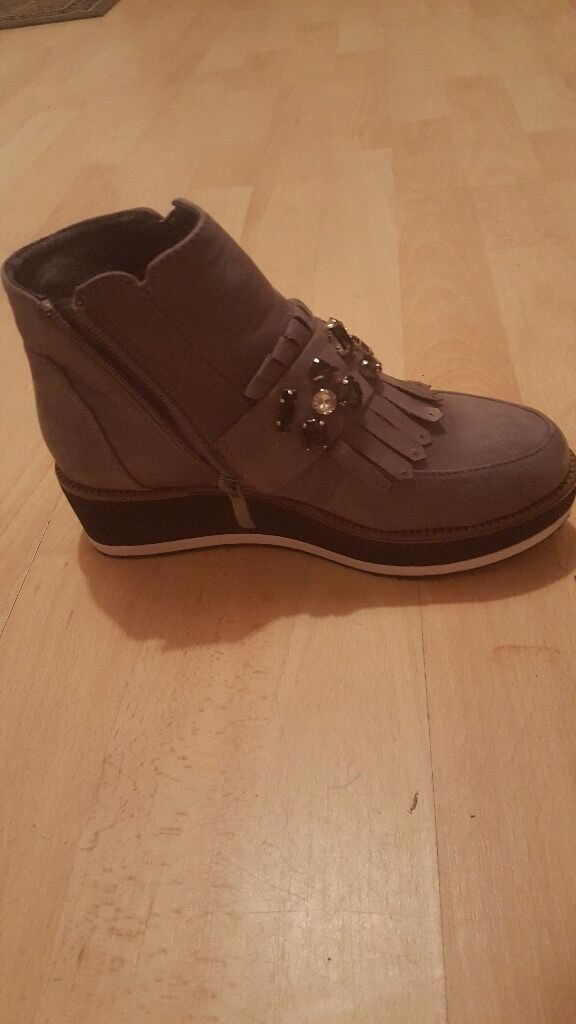Womens shoes 1 time use, looks brand new size 36/37in Ipswich, SuffolkGumtree - Womens shoes 1 time use, looks brand new size 36/37 collect ip1