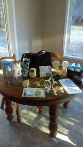 Medela Double Hands-Free Breast Pump- Freestyle