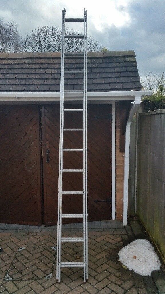 Set of aluminium ladders