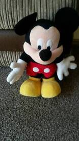 Disney Singing and dancing Mickey mouse
