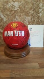 OPEN TO OFFERS Manchester united signed ball