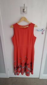 Beautiful red dress with flower print size 16 worn once