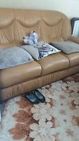 3 seater sofa good condition need to get rid or quick moveing