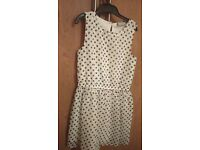 Girls dress from Dept store. Age 8-9. Only been worn once. Like new! In excellent condition