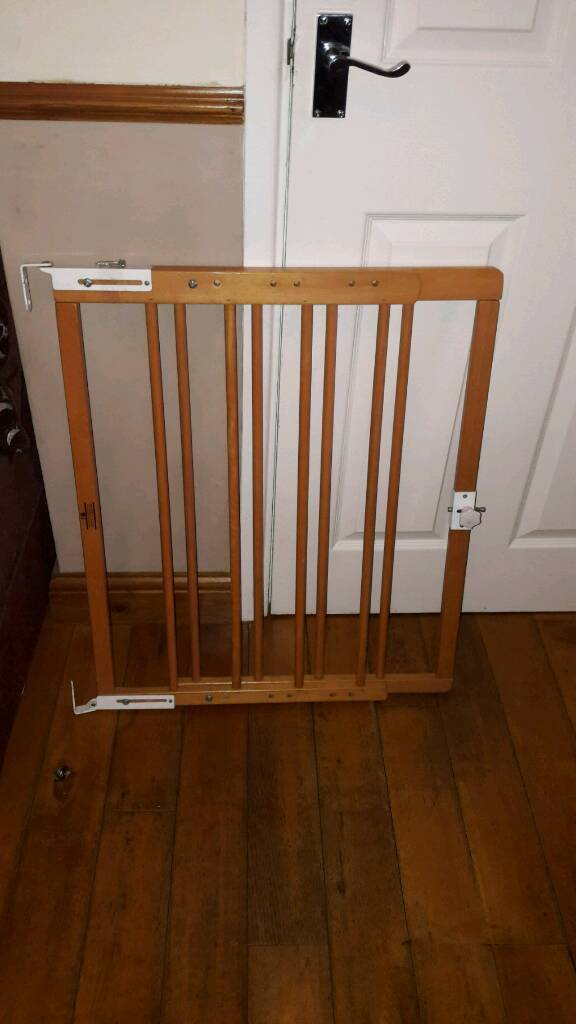 Wooden stairgate in good condition