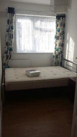 Double room to let for £500. INC ALL BILLS