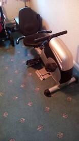 Cycle/rowing machine