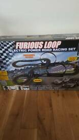Furious loop electric power road racing set