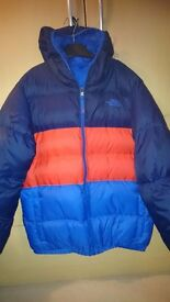 Boys reversible northface padded jacket, approx age 13/14 yrs.Excellent condition.