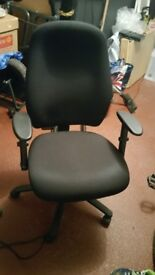 Posturepedic style office chair as new